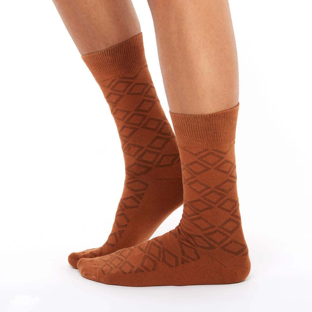 Patterned golf socks brown square