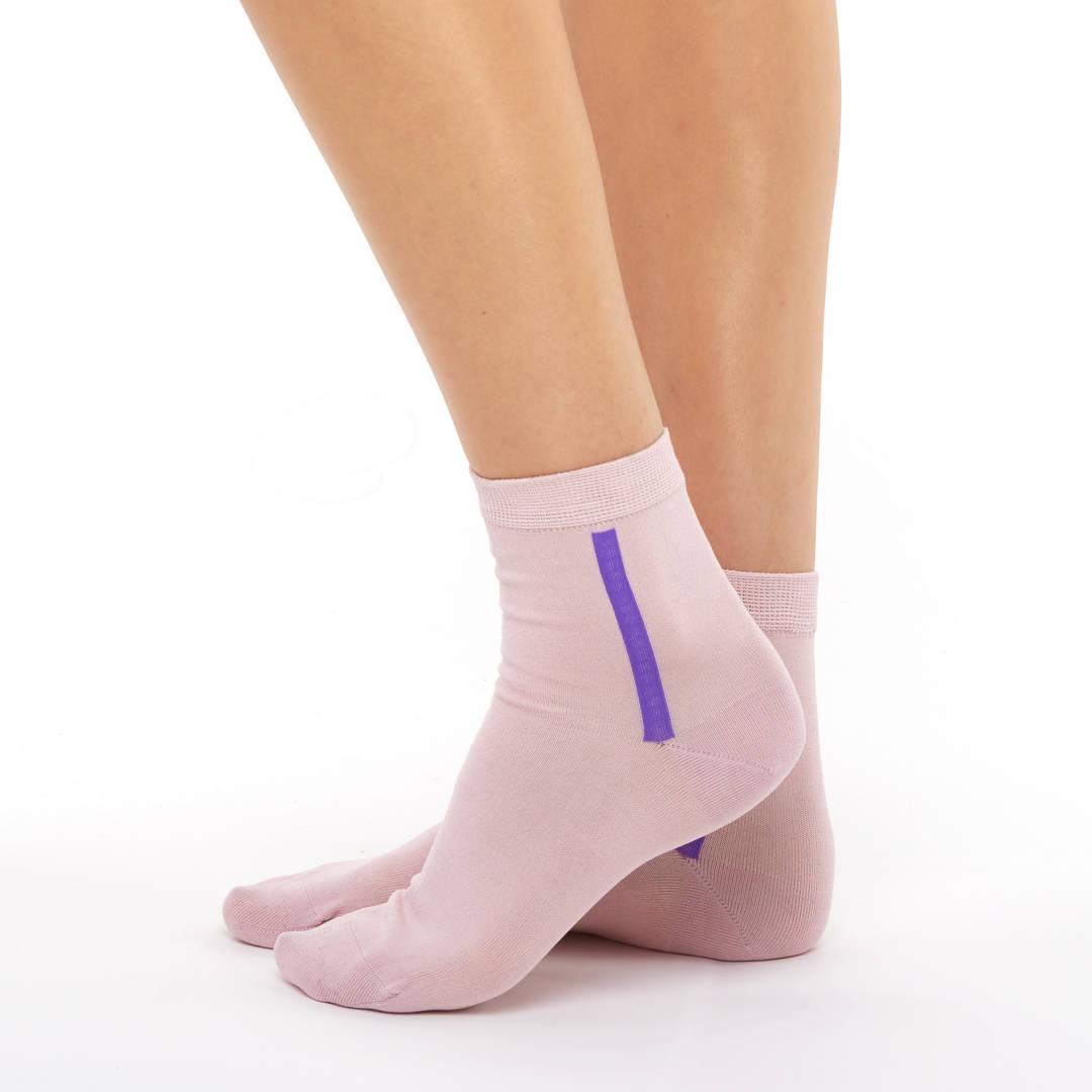 Woman's pink mercerized cotton short socks