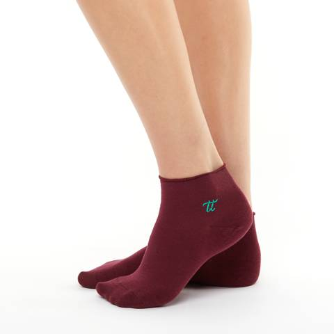 Women bamboo cherry colour socks