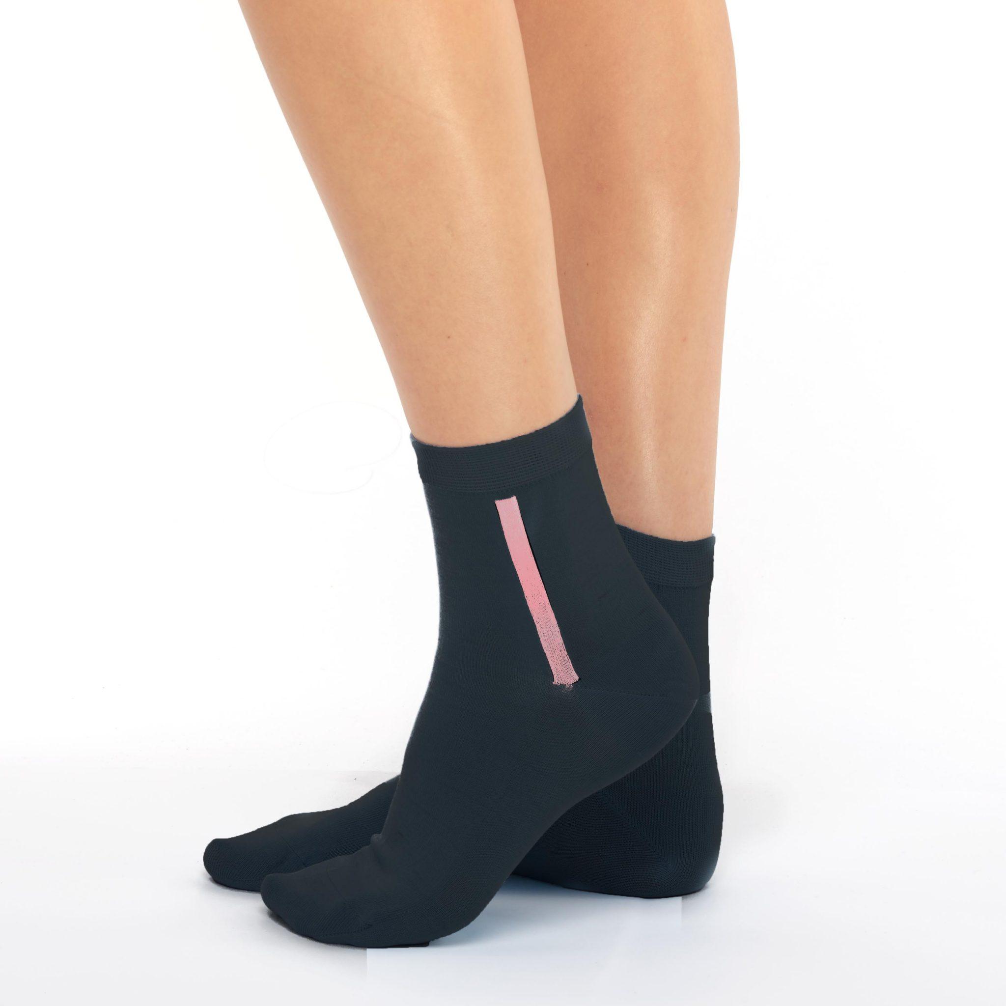 Women's mercerized cotton black short socks