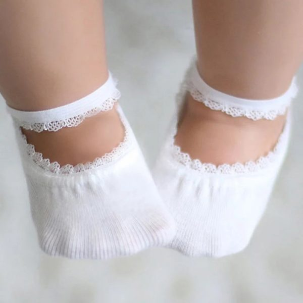 White baby sockets